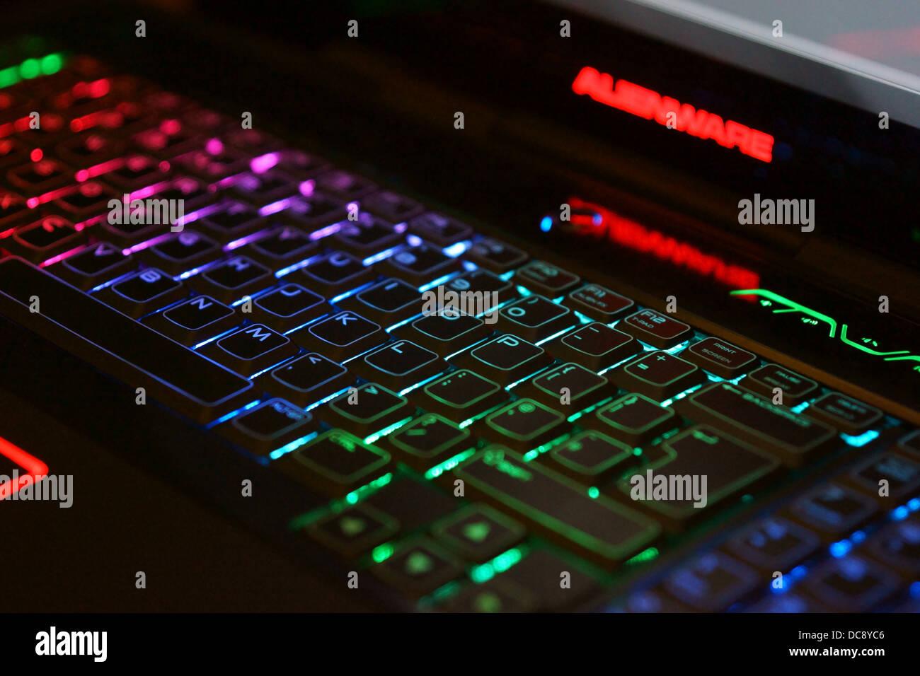 dell alienware laptop keyboard lights light up green blue purple blue. Black Bedroom Furniture Sets. Home Design Ideas