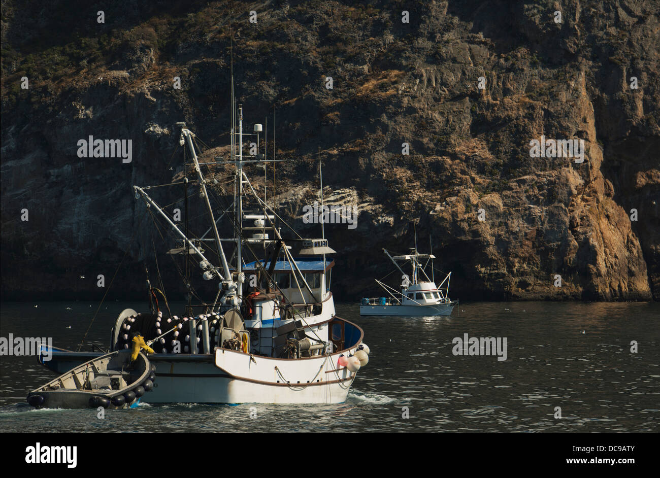 Fishing boats at anchor north shore of santa cruz island for Channel islands fishing