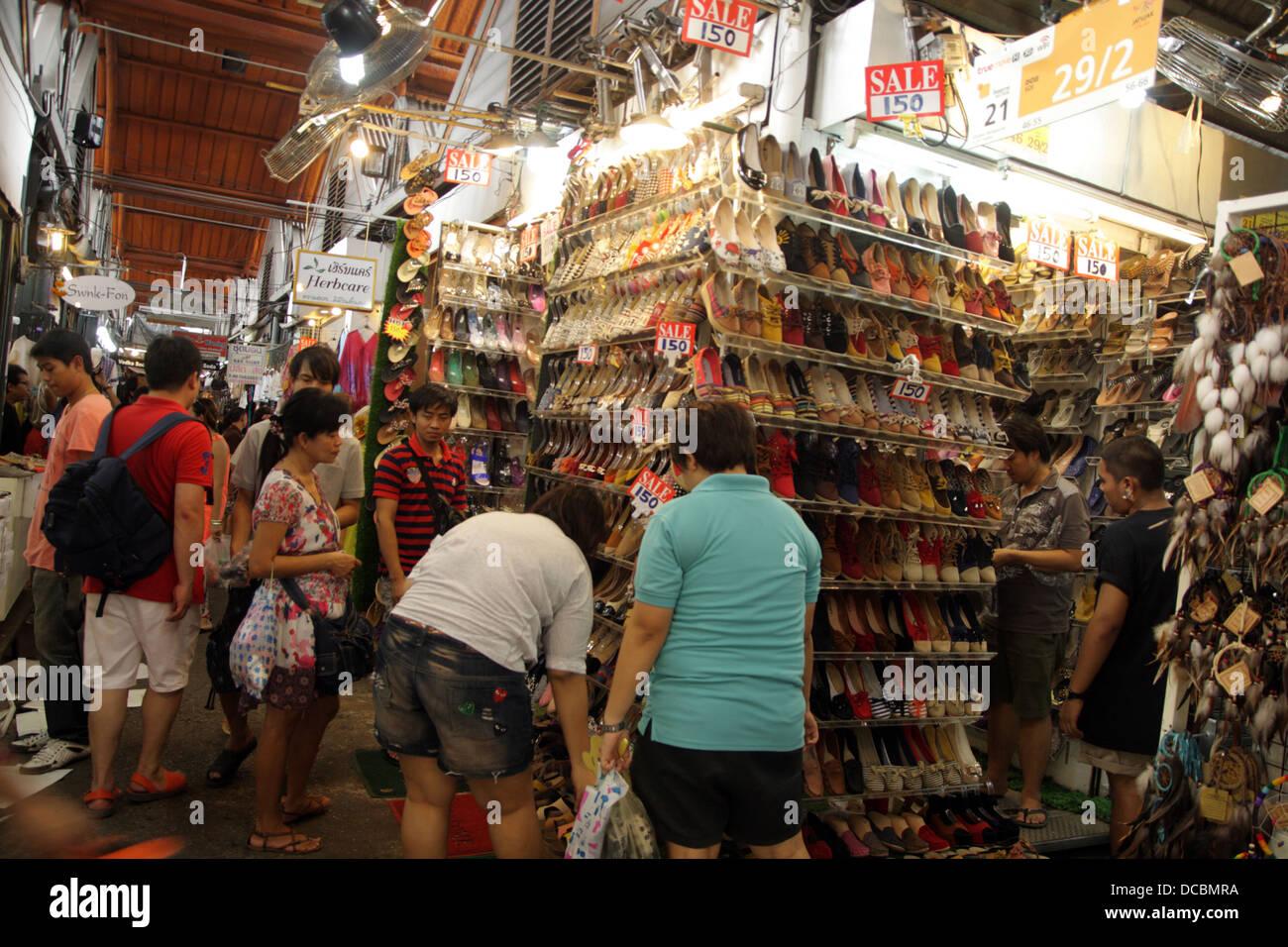 Shoe shop in Chatuchak Weekend Market , Bangkok , Thailand ...