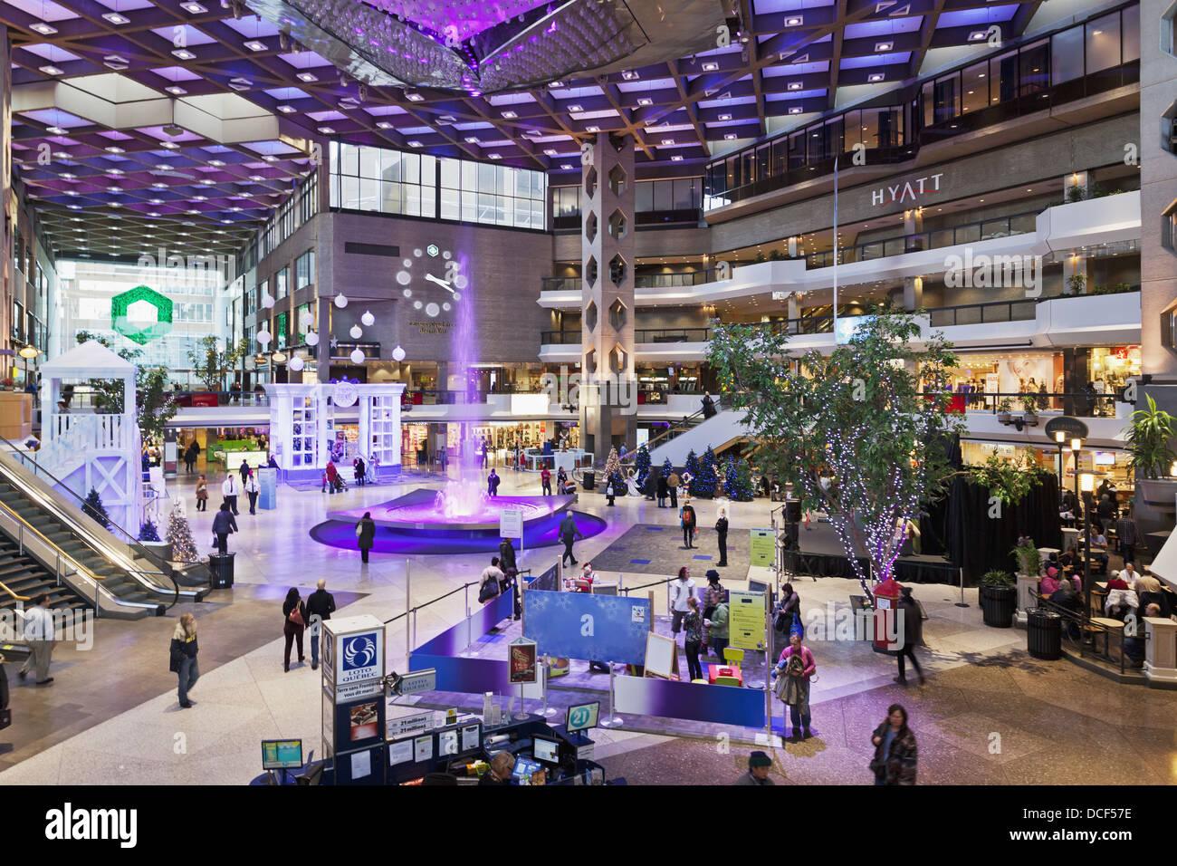 Complexe desjardins shopping mall area montreal quebec for Desjardins quebec