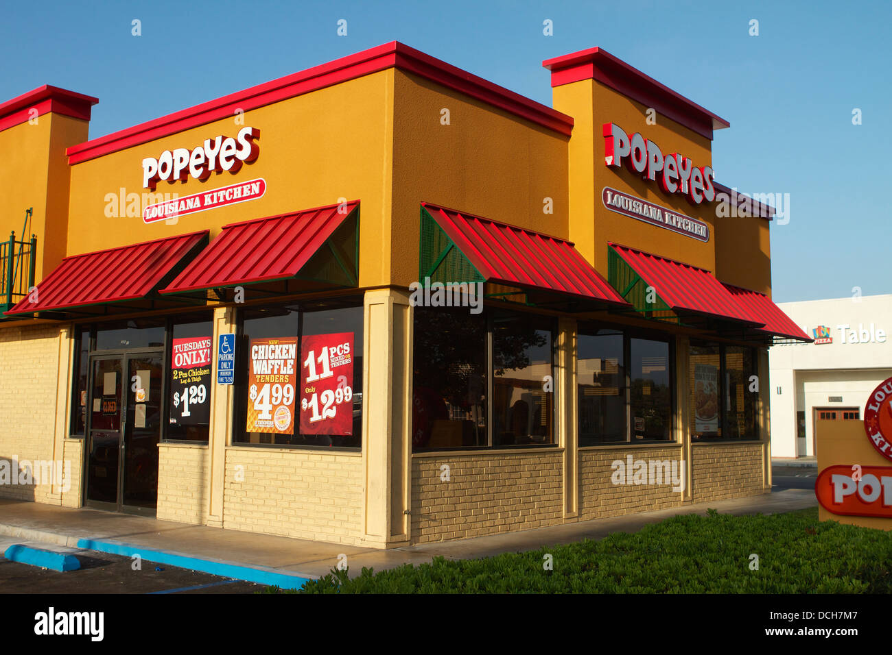 "Popeyes Louisiana Kitchen Building popeyes louisiana kitchen, restaurant in california .with a ""new"