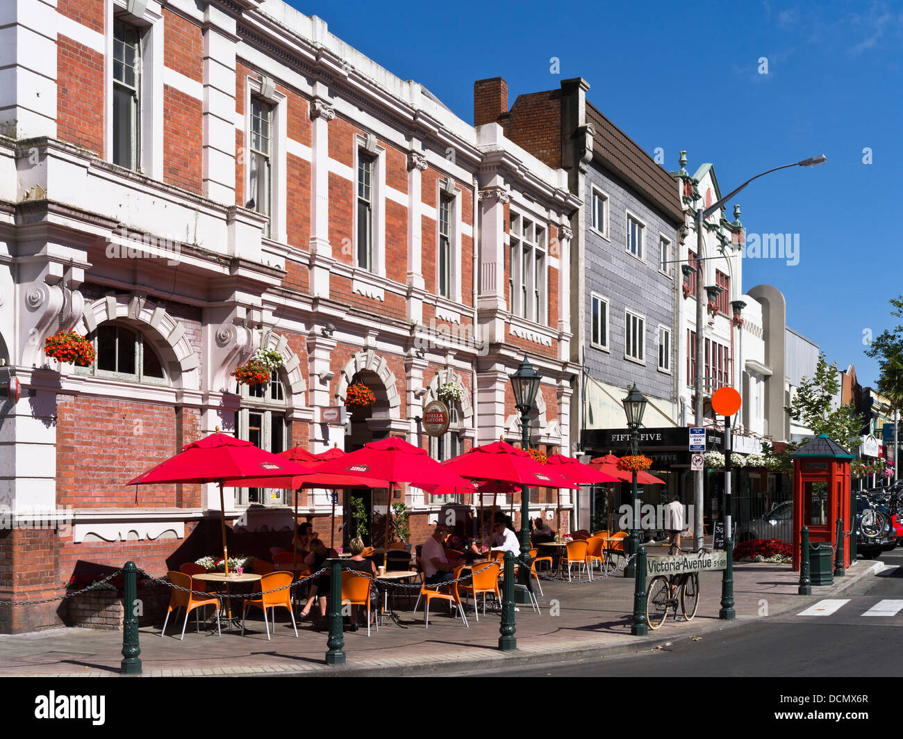 Wanganui New Zealand  city pictures gallery : Victoria Avenue Wanganui New Zealand People Alfresco Cafe Colonial ...