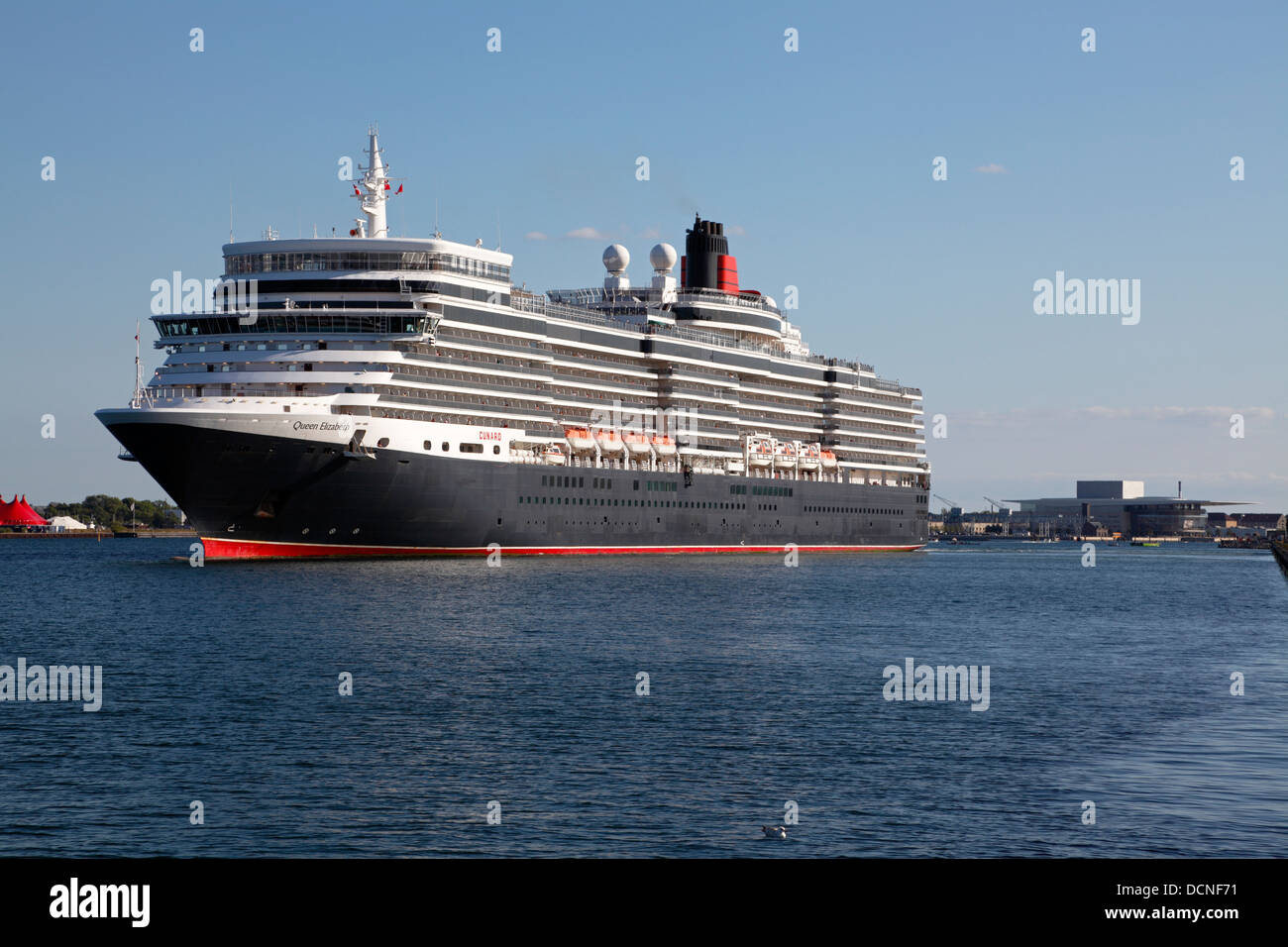 The New MS Queen Elizabeth Cruise Ship Leaves Langelinie In The - Cruise ship copenhagen