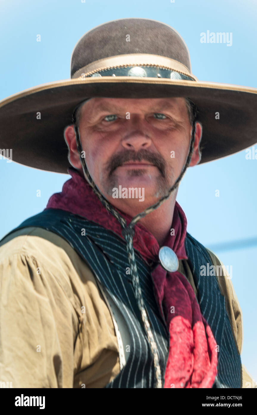 portrait-of-a-cowboy-at-the-western-days