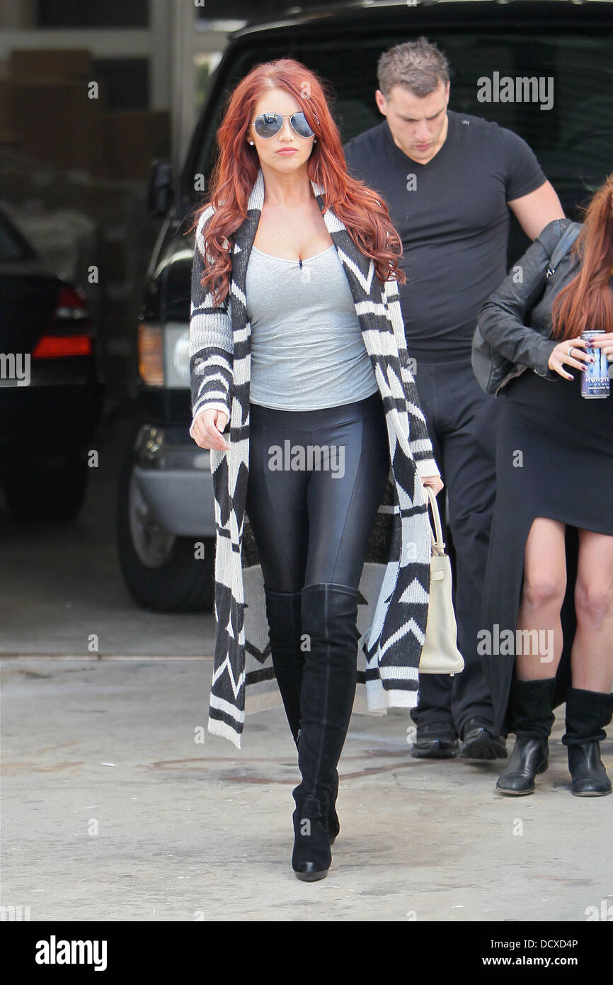 Amy Childs Takes A Hollywood Movie Stars Homes Tour And Stops By Simon  Cowells Home Los Angeles, California   14.12.11