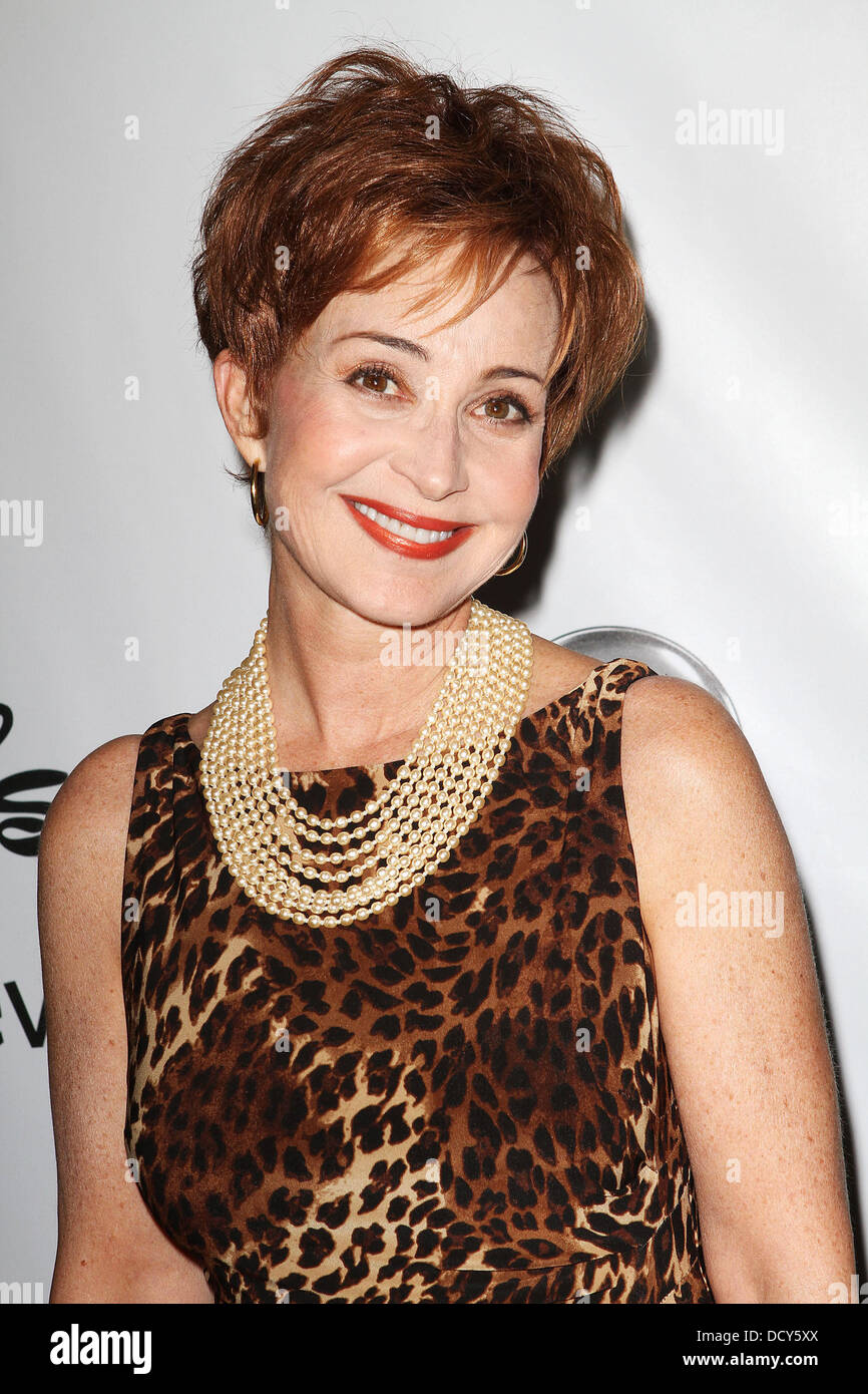 Annie Potts disney