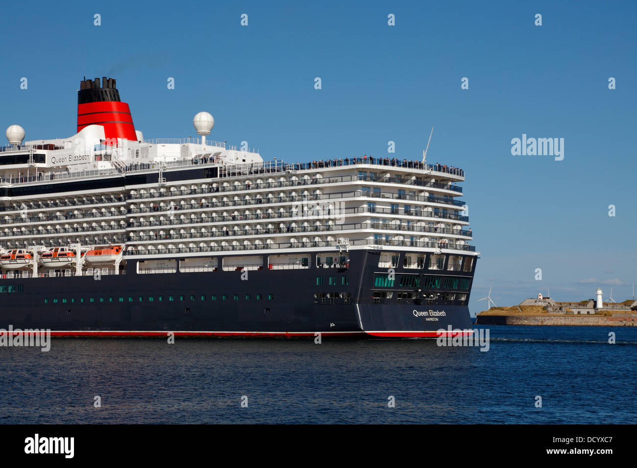 The New MS Queen Elizabeth Cruise Ship Leaves Copenhagen And - Cruise ship copenhagen