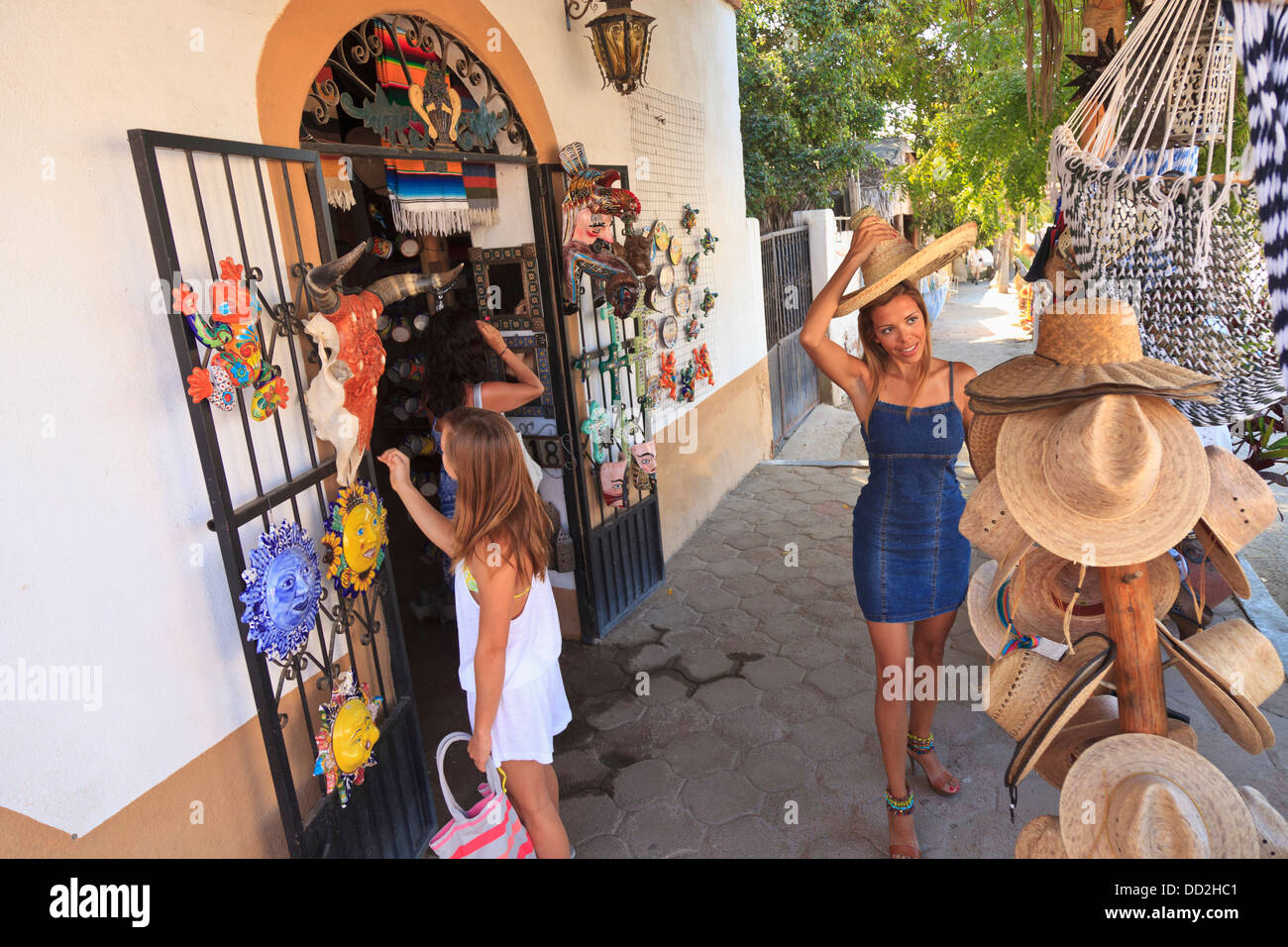 todos santos women Best todos santos b&bs on tripadvisor: find traveler reviews, candid photos, and prices for 16 bed and breakfasts in todos santos, mexico.