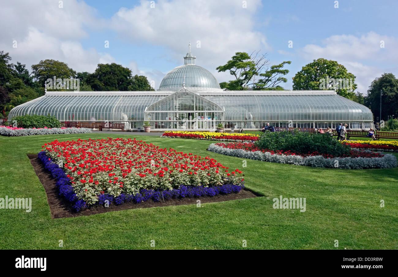 Kibble Palace In Glasgow Botanic Gardens Scotland
