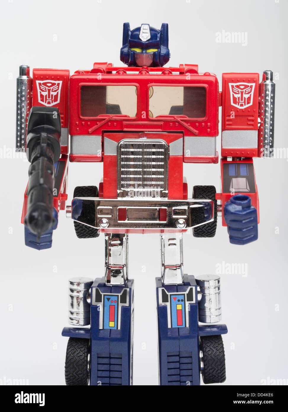 Optimus prime transformers toy by takara takara tomy hasbro first generation 1984