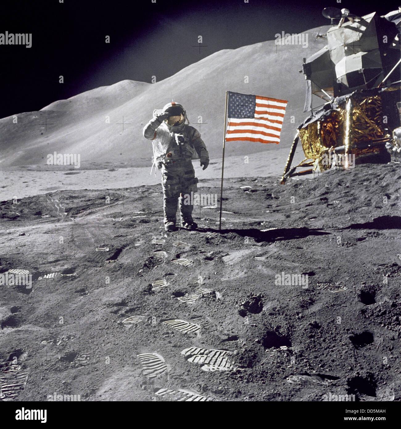 Man on the moon. Astronaut walking on moon from Apollo 11 ...
