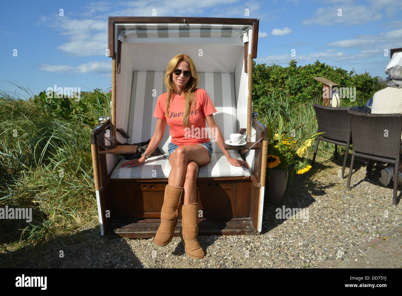 Best beach chair 2013 - German Actress Rosalie Van Breemen Poses In A Beach Chair During A Shooting In Kampen On The Island Of Sylt Germany 26 August 2013 Photo Justsylt