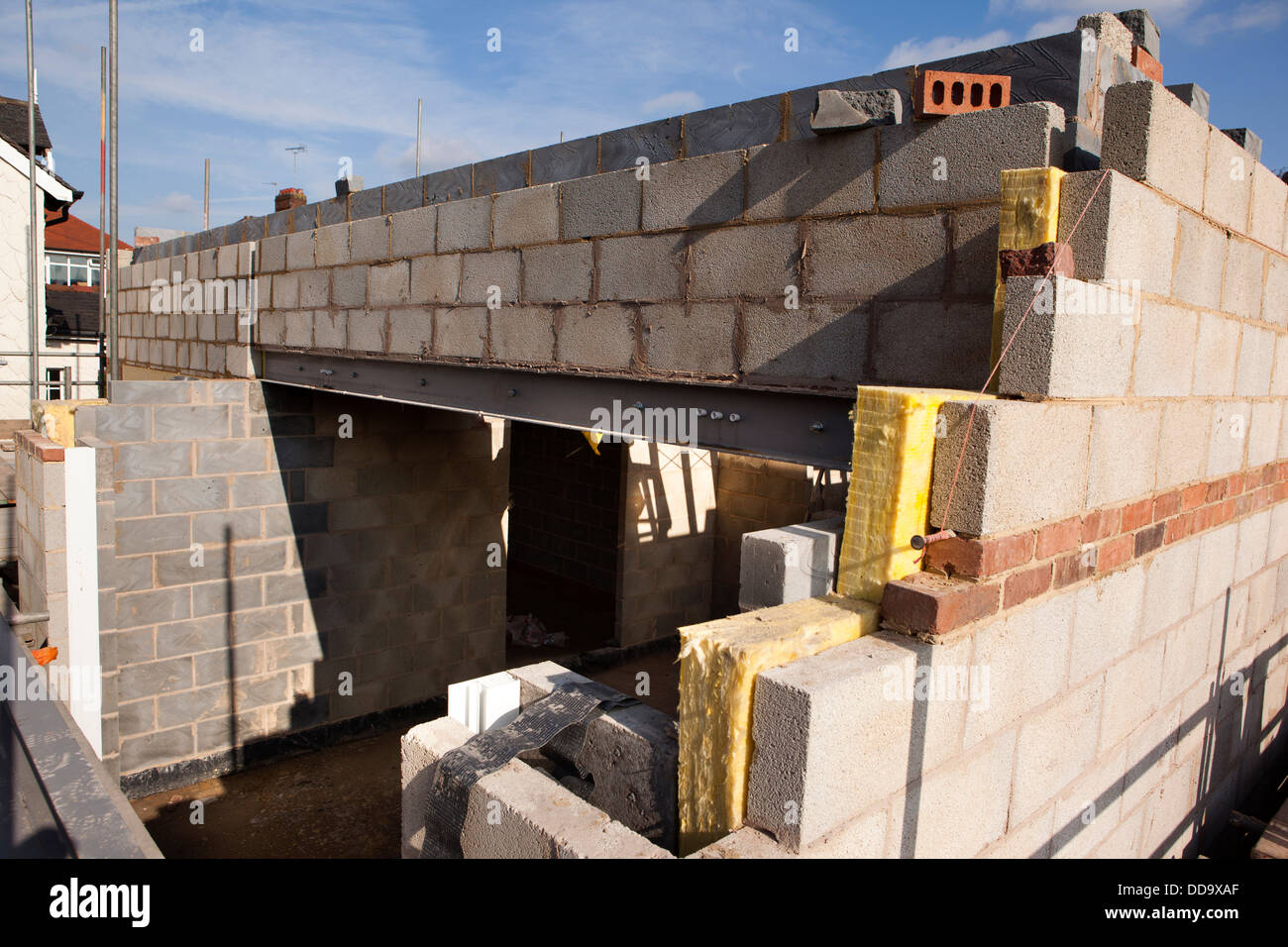 Self building house constructing upper floor with for Building a concrete house