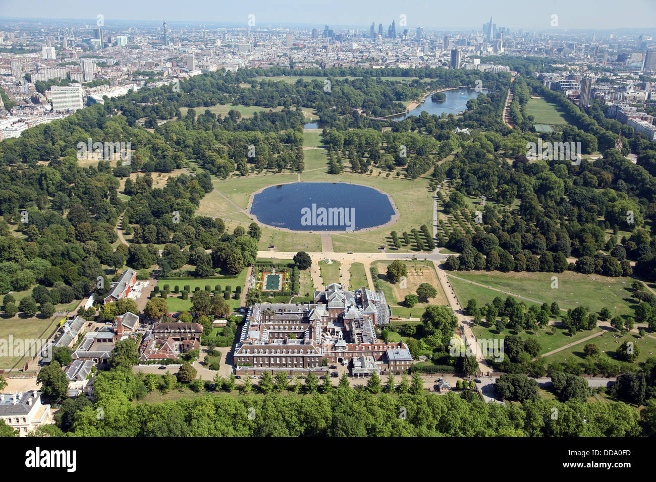 Contemporary additionally 5672049 together with Stock Photo Aerial View Of Kensington Palace In London Home Of Prince William 59841585 together with 2011 01 03 Flatiron Building New York by R Grigonis together with Emily Blunt Bra Size Age Weight Height Measurements. on chelsea house plan