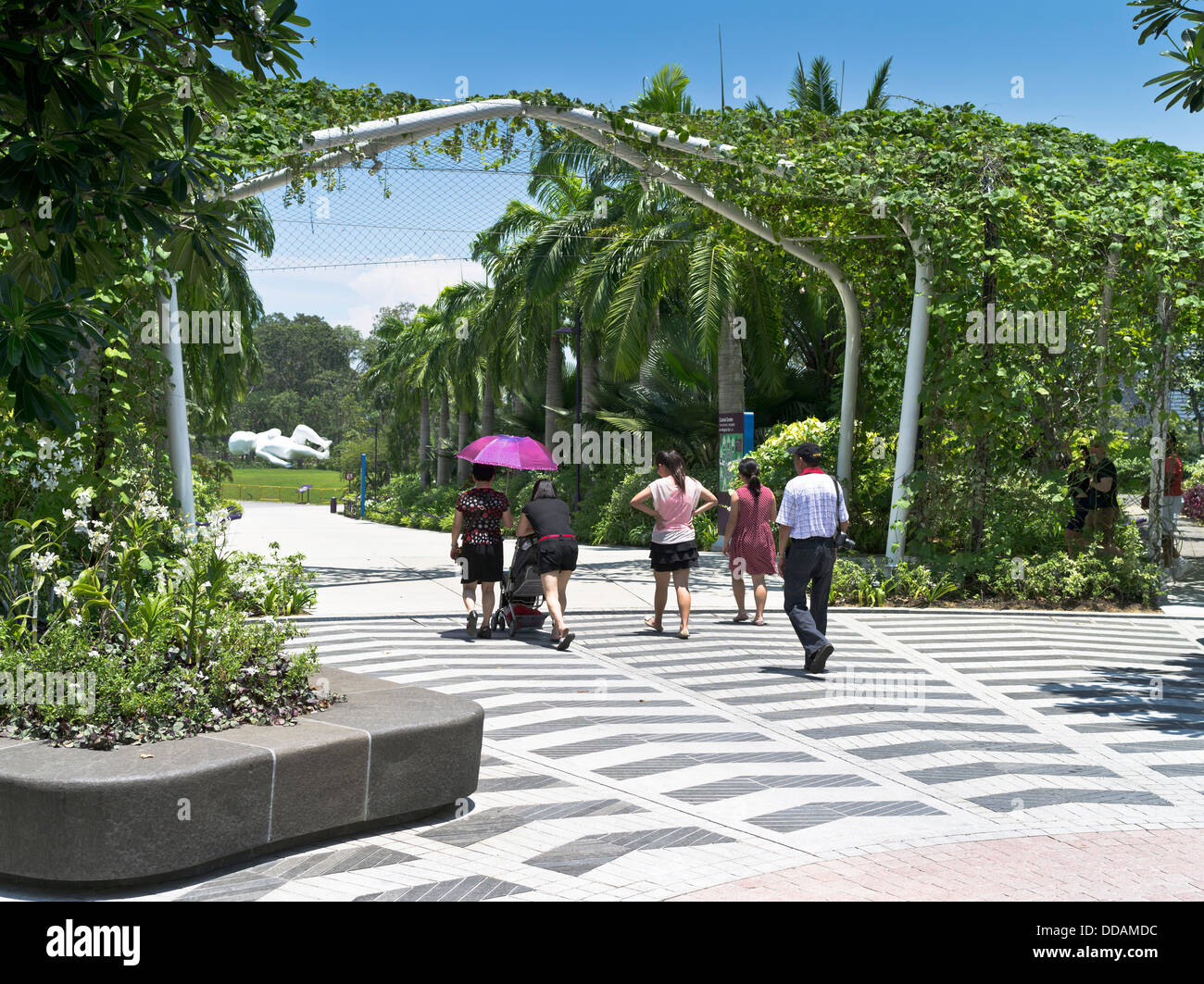 Garden By The Bay Baby Sculpture dh gardenthe bay singapore family walking gardens path baby