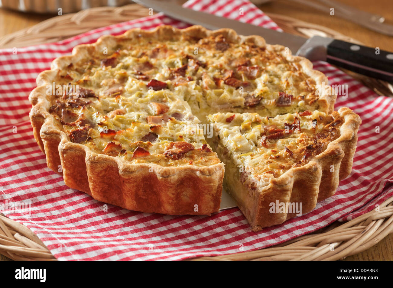flamiche aux poireaux leek and cheese tart france food. Black Bedroom Furniture Sets. Home Design Ideas