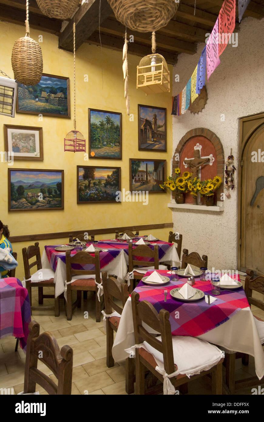El Patio´ restaurant, Plaza Vasco de Quiroga (also called Plaza ...