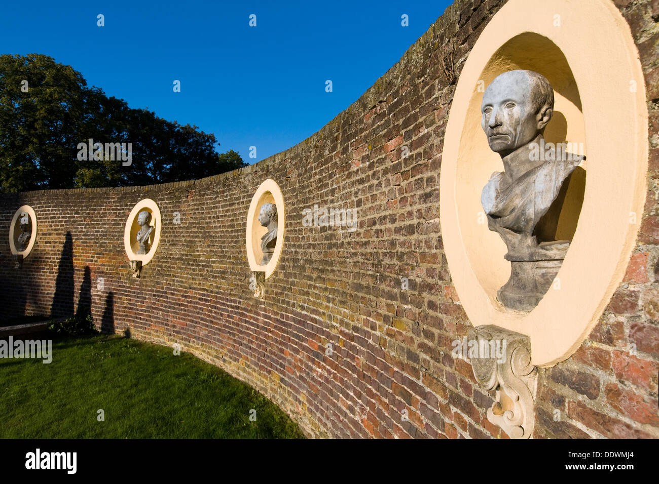 Ornamental garden walls - Line Of Decorative Ornamental Bust Busts Statue Statues On Display In The Front Garden Wall Walls Of Ham House Surrey Uk