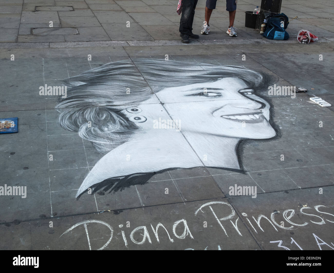 diana NDN Stock Photo - Street art chalk drawing of Diana Princess of Wales (Lady  Di), on a pavement in Trafalgar Square, London, UK
