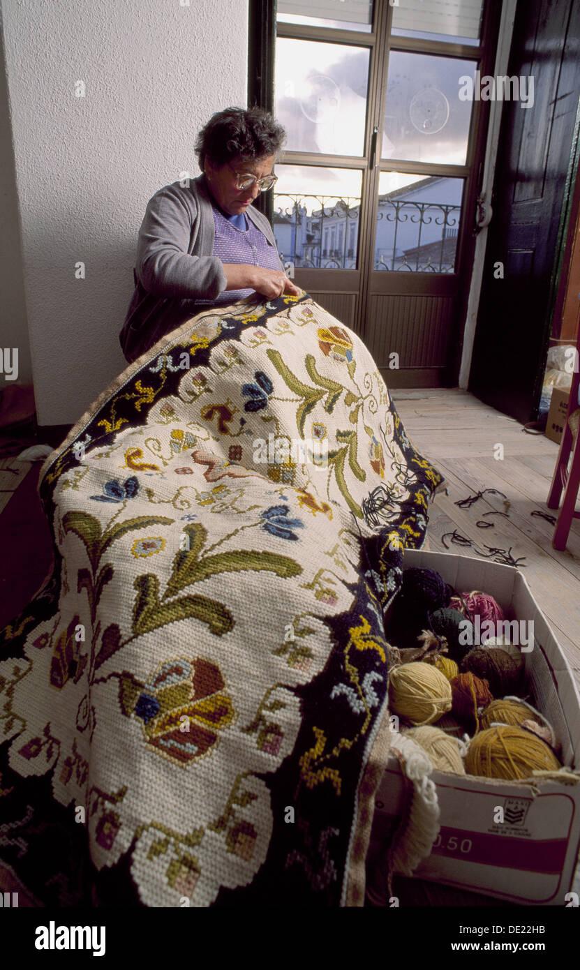 Artesan a de alfombras arraiolos vora alentejo portugal workshop stock photo royalty free - Alfombras portugal ...
