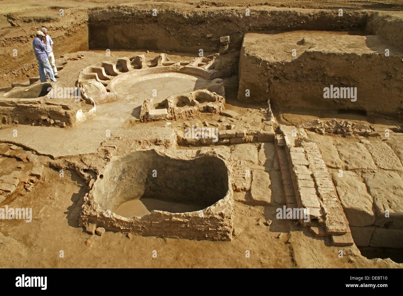 Karnak temples opet temple ptolemic baths luxor egypt for Luxor baths
