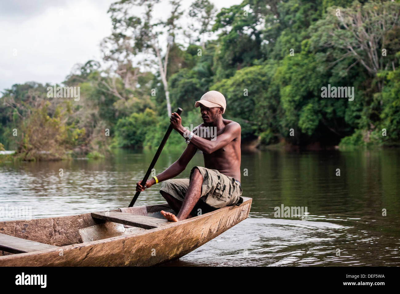 africa-cameroon-kribi-man-in-traditional