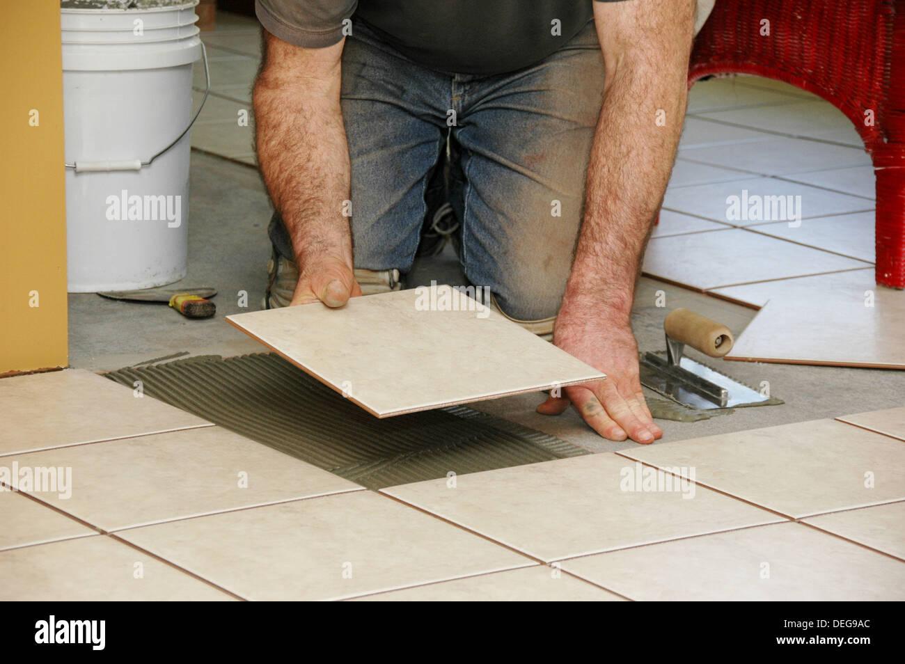 Mastic floor tile