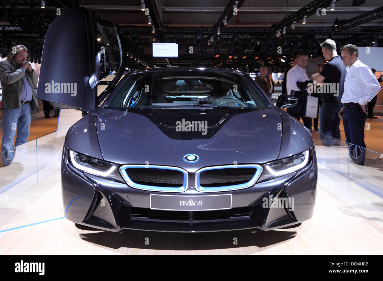Attirant BMW I8 Electric Car At The 65th IAA In Frankfurt, Germany