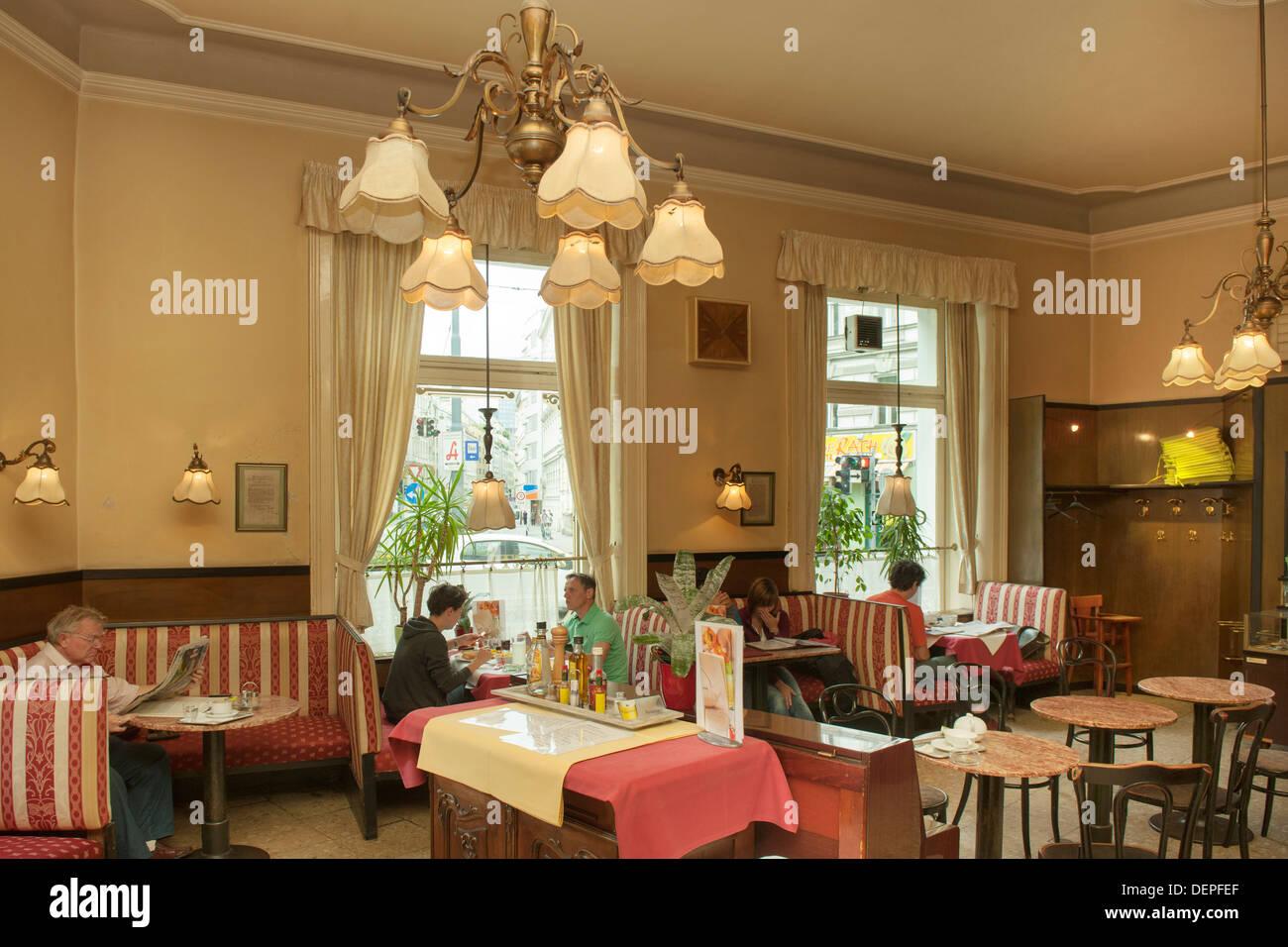 Osterreich Wien 3 Cafe Zartl Rasumofskygasse Stock Photo