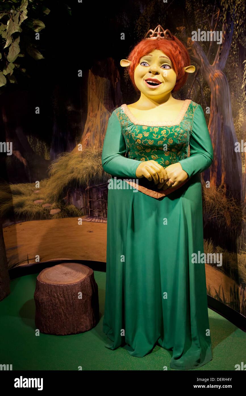 Princess fiona from shrek movie wax figure in madame - Princesse fiona ...