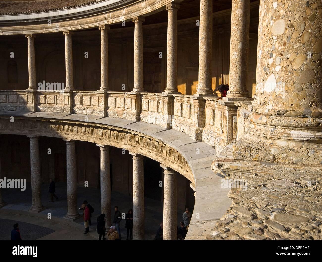 High Quality ... Columnas En El Patio Circular Del Palacio Real De Carlos V En La  Alhambra De Granada