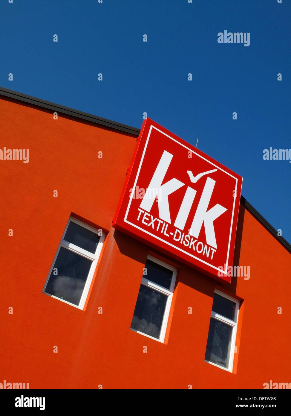 a sign for a kik discount clothing store in slovenia stock