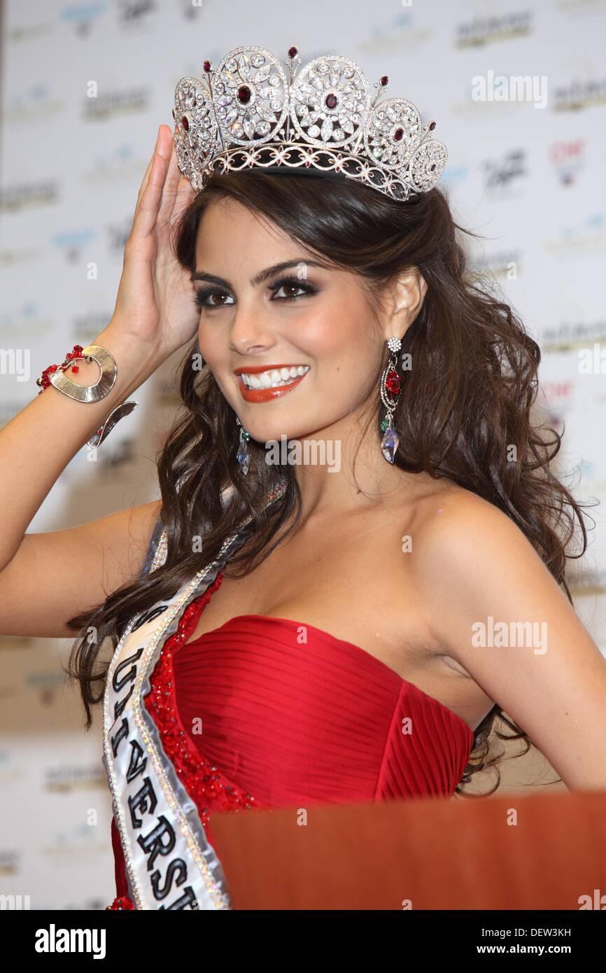 Ximena Navarrete Miss Universe 2010 in kickoff press after ...  Ximena Navarret...