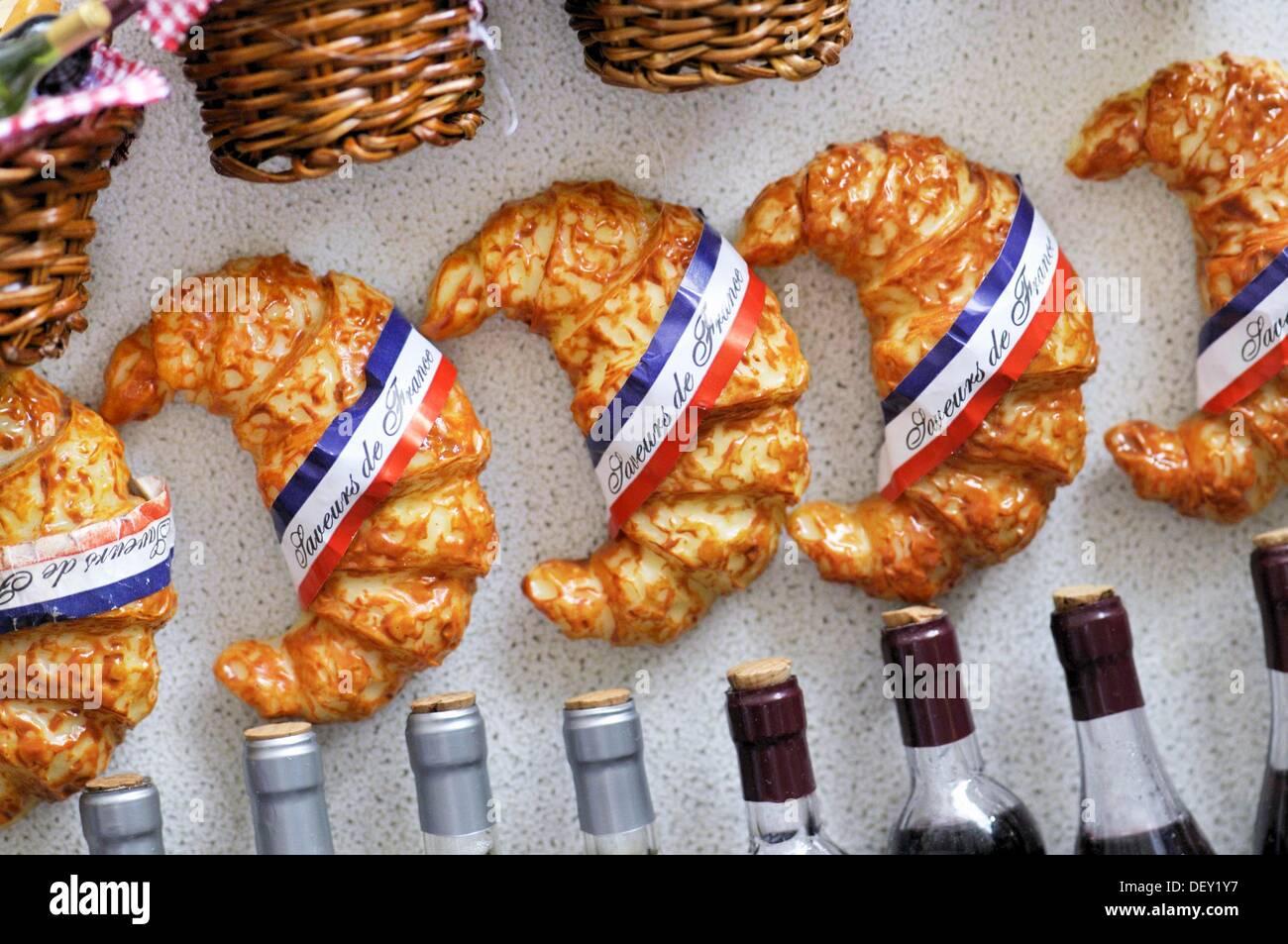 Paris souvenirs fridge magnets france stock photo royalty free paris souvenirs fridge magnets france publicscrutiny Images