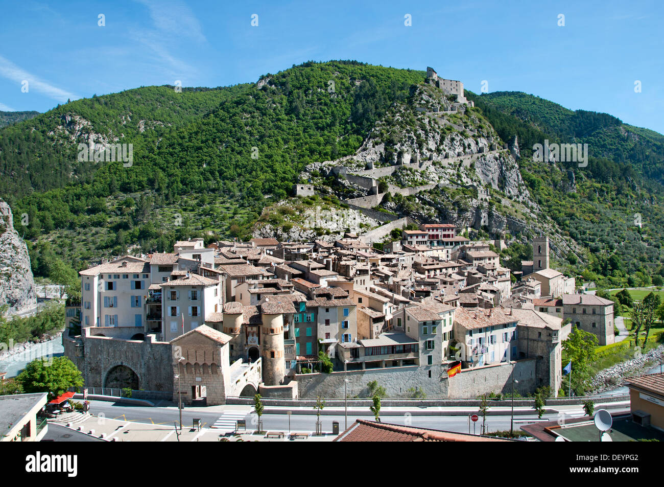 Entrevaux medieval city fortified by vauban france alpes for Haute de france
