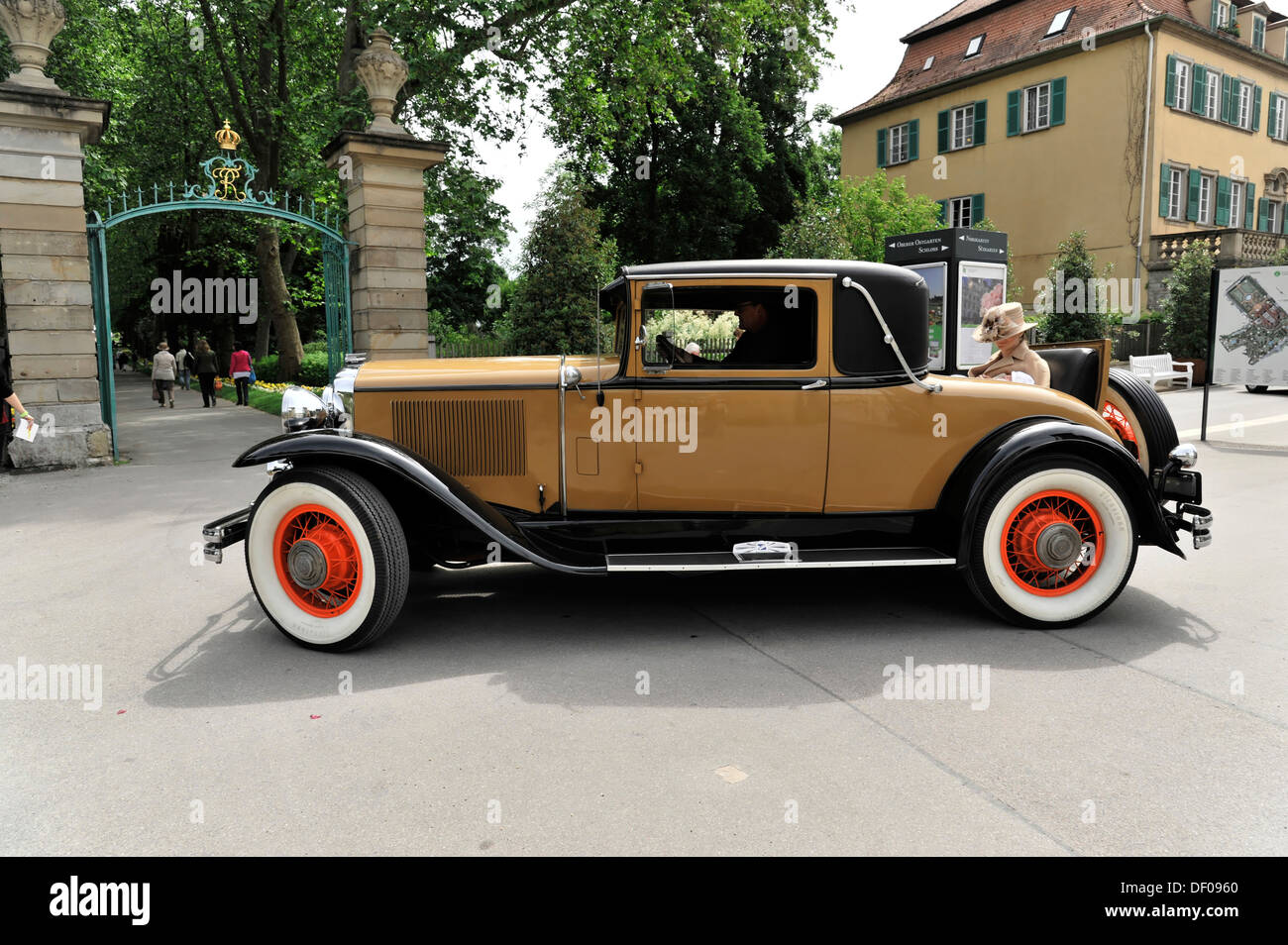 Buick Series C Country Club Coupe Built In Classic Car - Classic car 1930