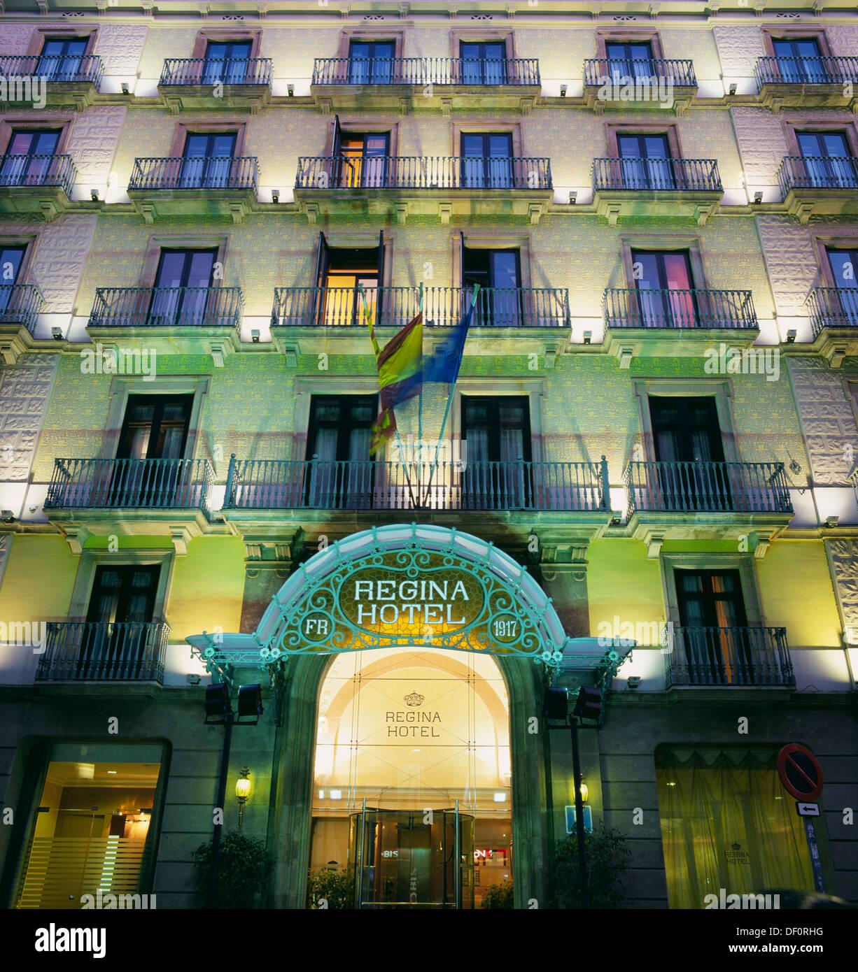 Regina hotel bergara street catalunya square barcelona for Hotel regina barcelona booking
