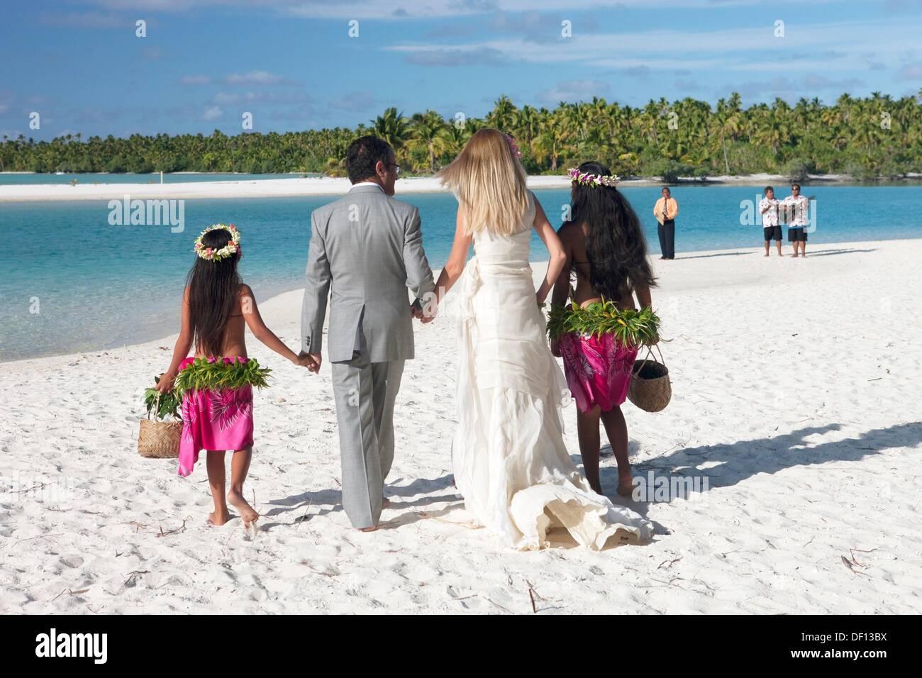 Aitutaki wedding