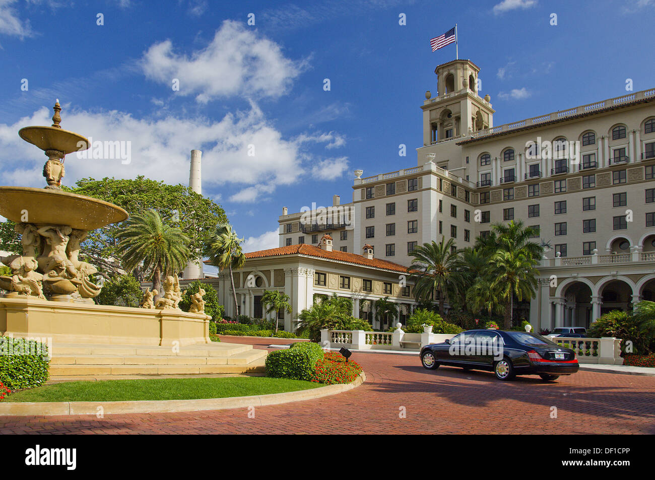 a black luxury car outside the breakers hotel in west palm beach stock photo royalty free image. Black Bedroom Furniture Sets. Home Design Ideas