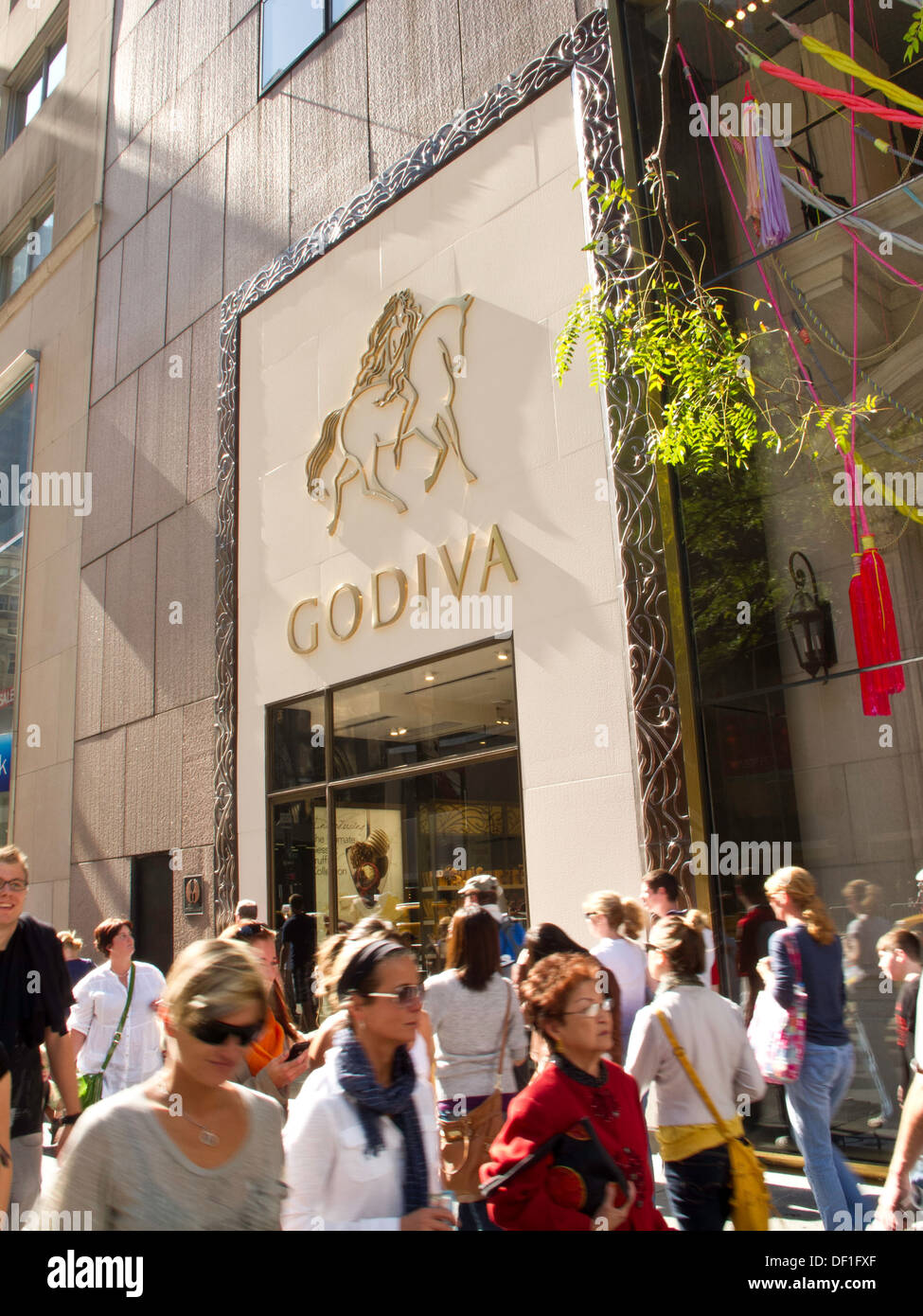 Godiva Chocolate Store Facade, Fifth Avenue, NYC Stock Photo ...