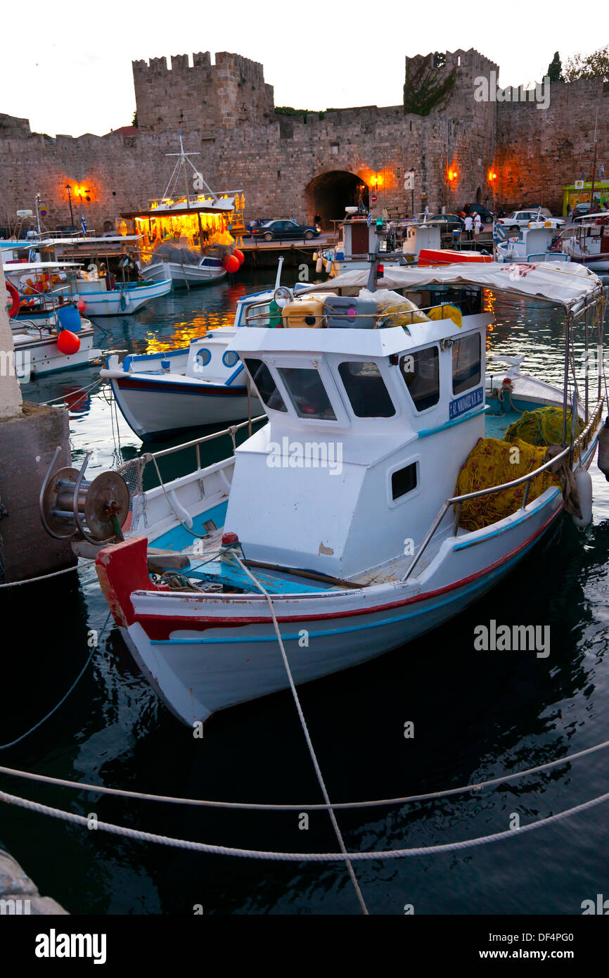 Fishing boats and walls at the commercial port city of for City island fishing boats