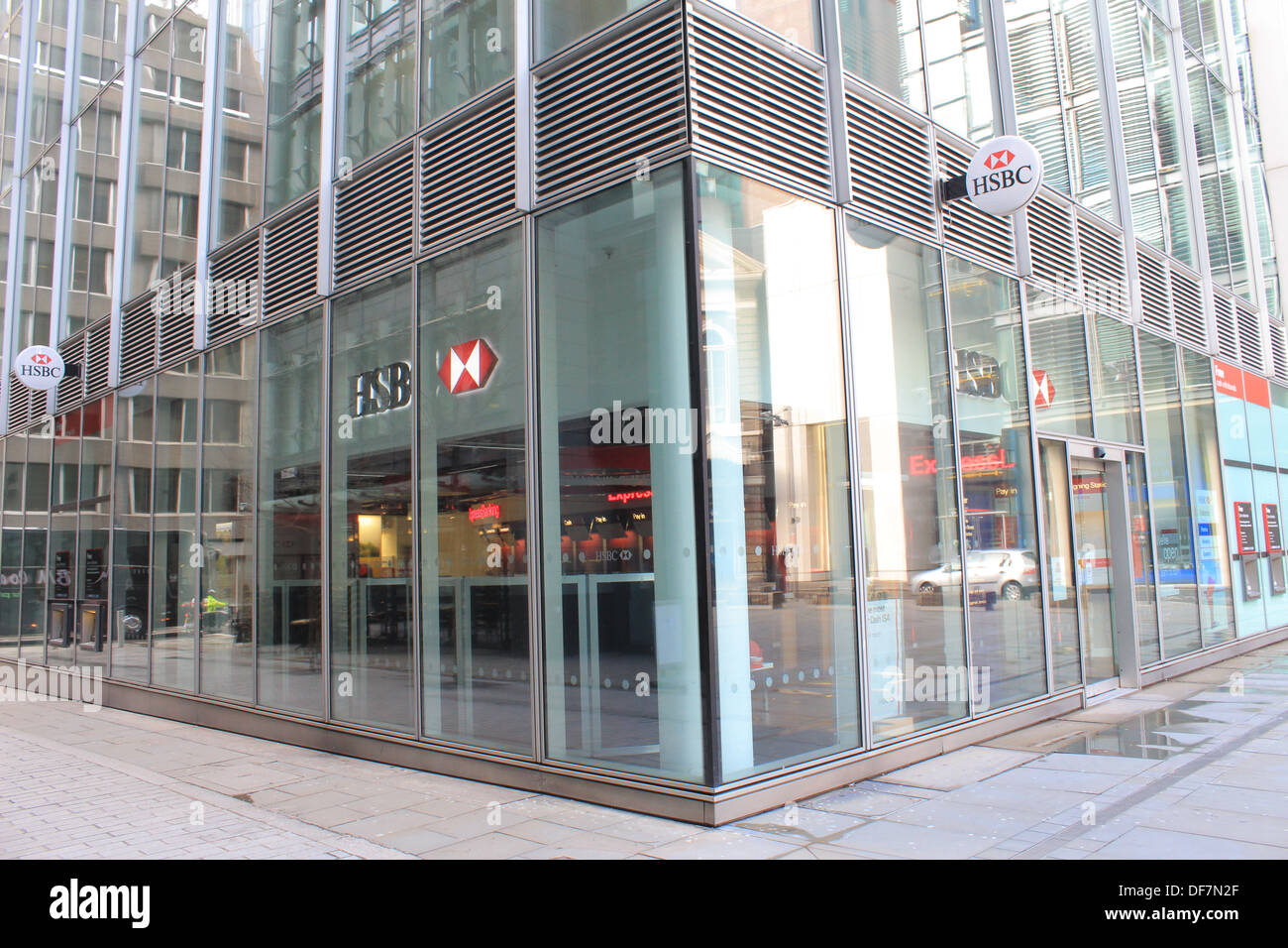 Hong Kong and Shanghai Bank (HSBC) branch in The City of ...
