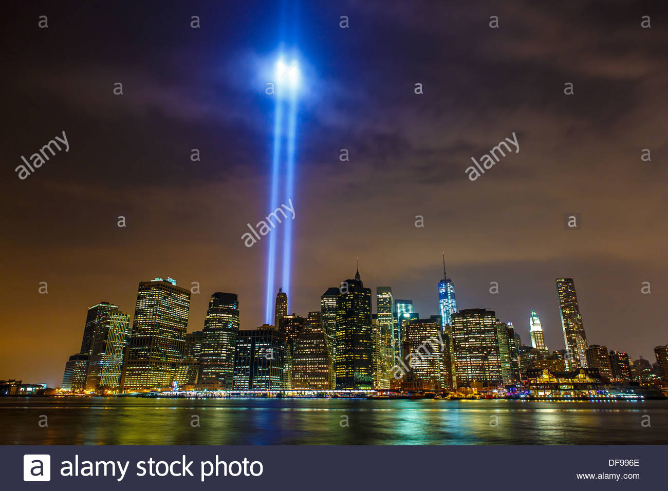 Tribute in light symbol of world trade center towers in the new tribute in light symbol of world trade center towers in the new york skyline as seen on 12th anniversary of september 11 biocorpaavc