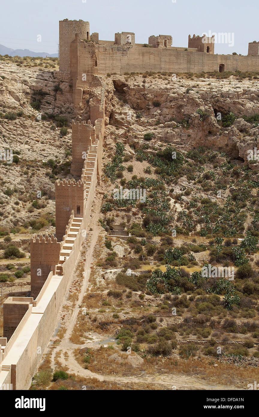 Almer a espa a muros exteriores defensivos de la alcazaba for Exteriores espana
