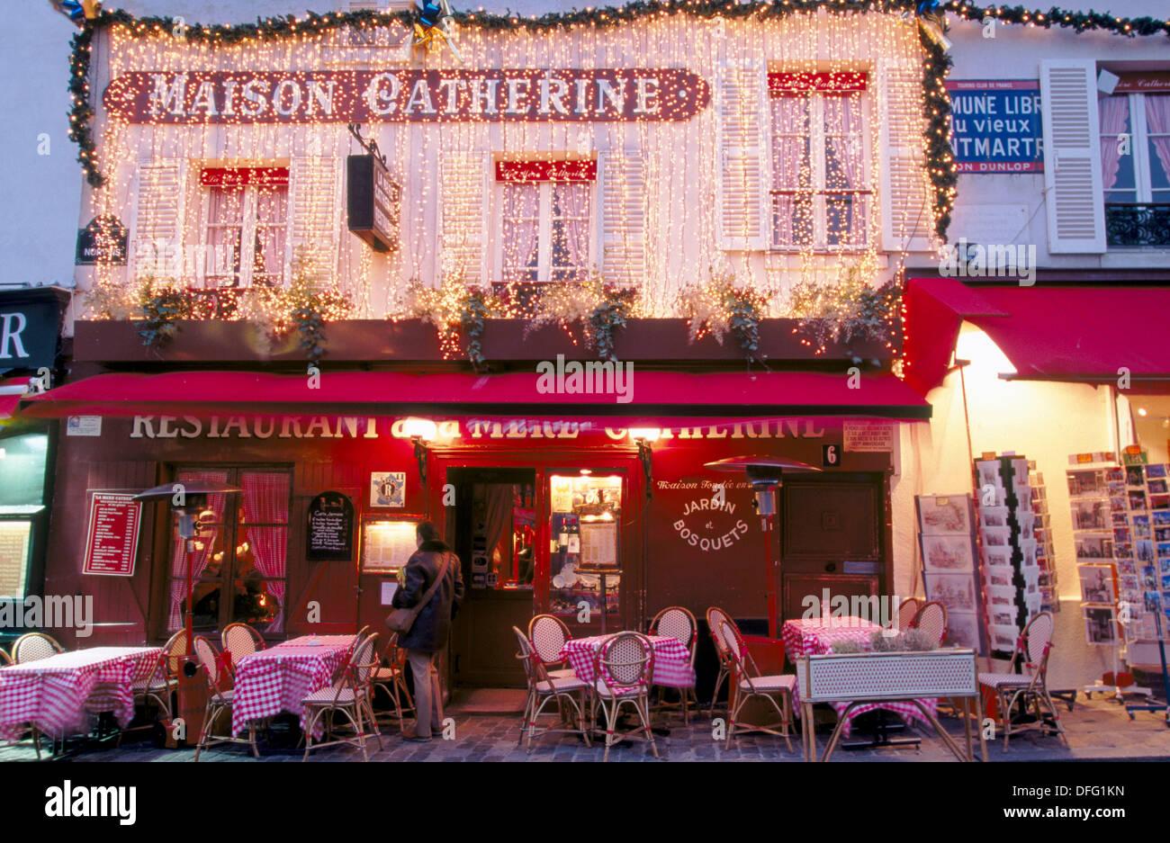 Maison catherine plaza du tertre montmartre paris for Maison du the paris