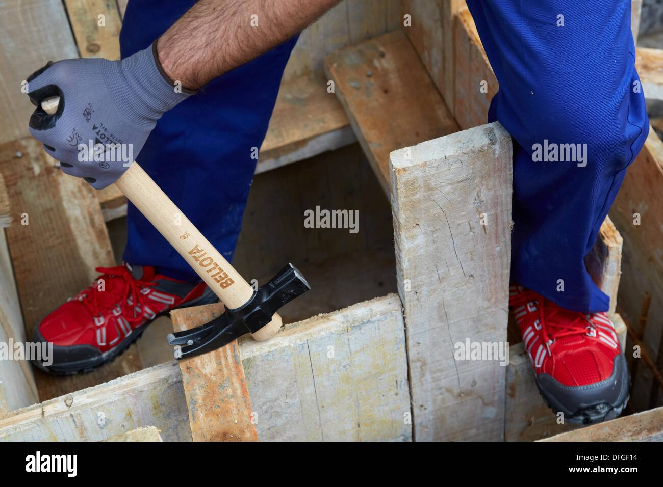 roofing hammer hand tools for construction construction worker