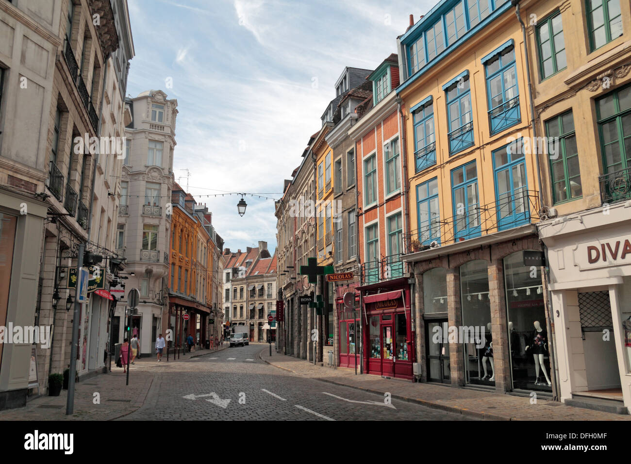 view looking down rue des chats bossus vieux lille little old stock photo 61224703 alamy. Black Bedroom Furniture Sets. Home Design Ideas