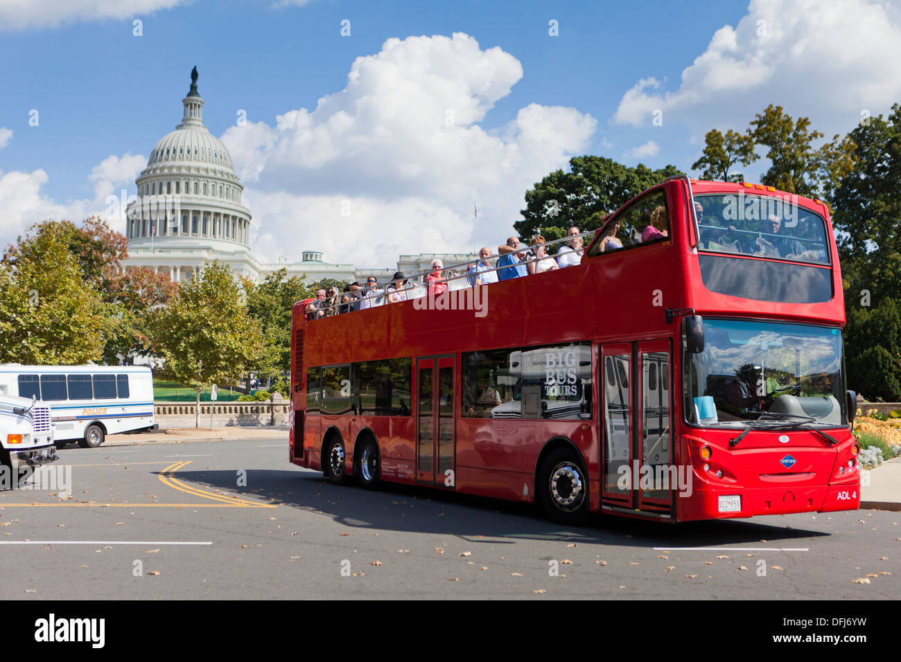 Red Open Top Tour Bus At The US Capitol Building Washington DC - Bus tours usa