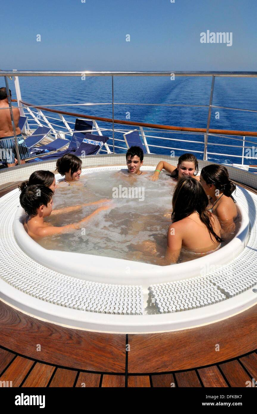 Congratulate, best cruise ships for young adults recommend you