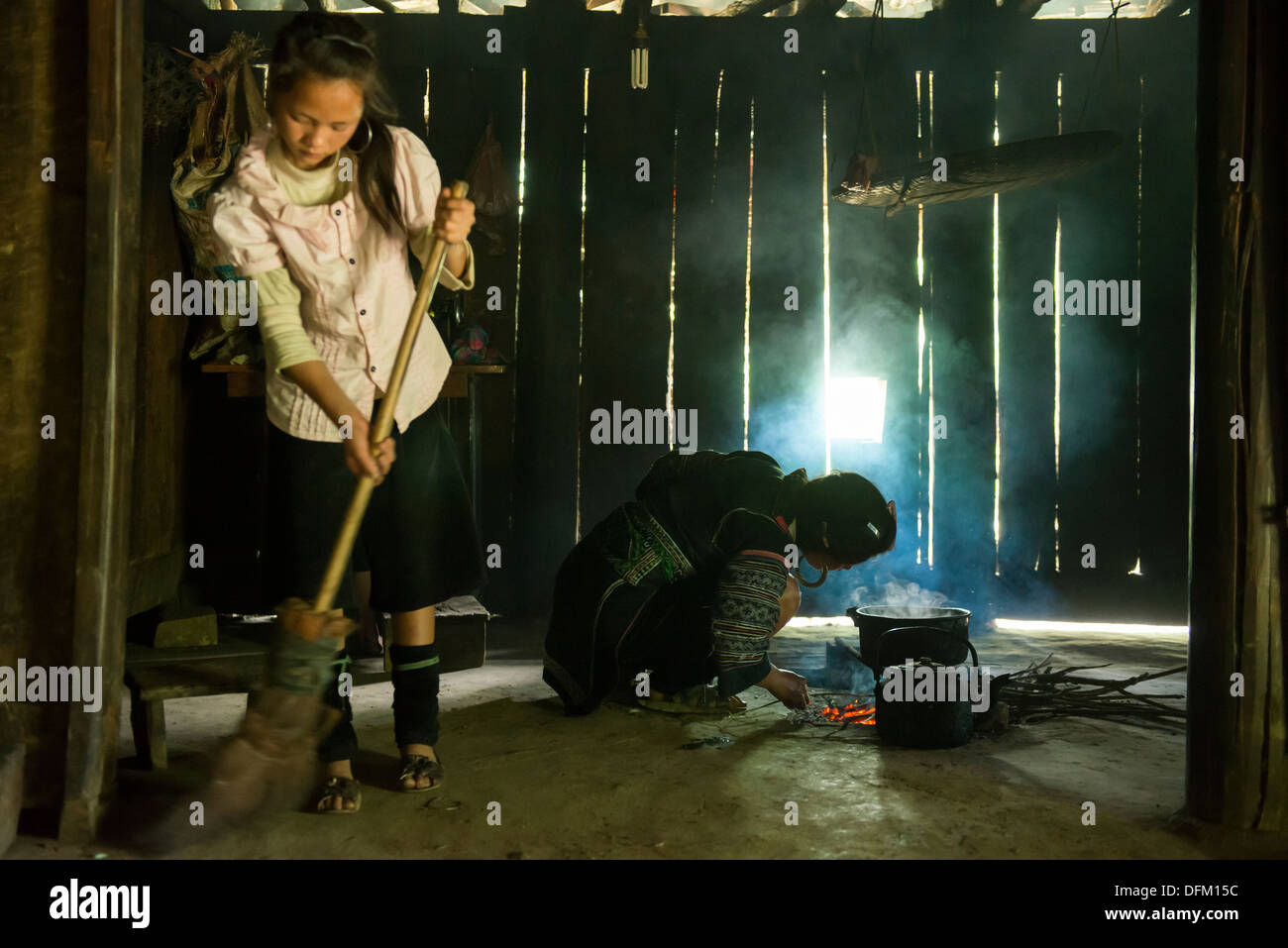 cleaning the barangay To make your barangay clean and peaceful make sure that all people have a good manner they know what is the best for there barangay.